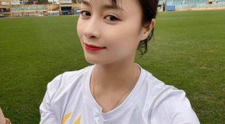 'Hot girl sân cỏ' Hoàng Thị Loan lọt top 10 mỹ nhân thể thao châu Á